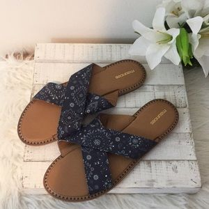 NWOT Maurices sandals size 10